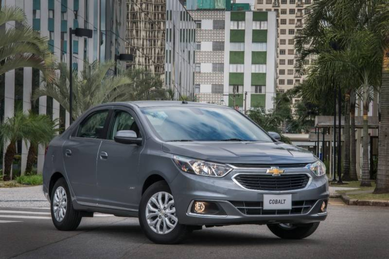 Sedan médio Cobalt agrada motoristas na nova linha