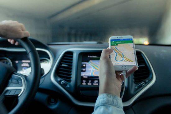 Demora mais para carregar o celular no carro