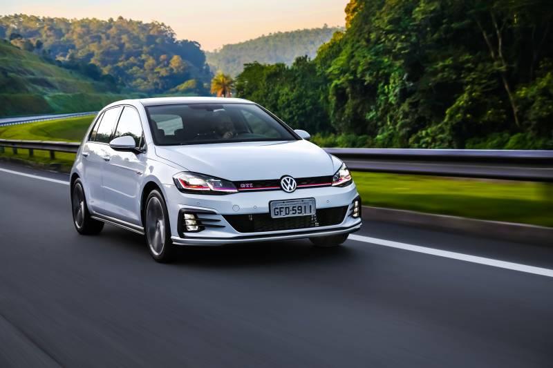 Volkswagen Golf 2019 chega mais potente