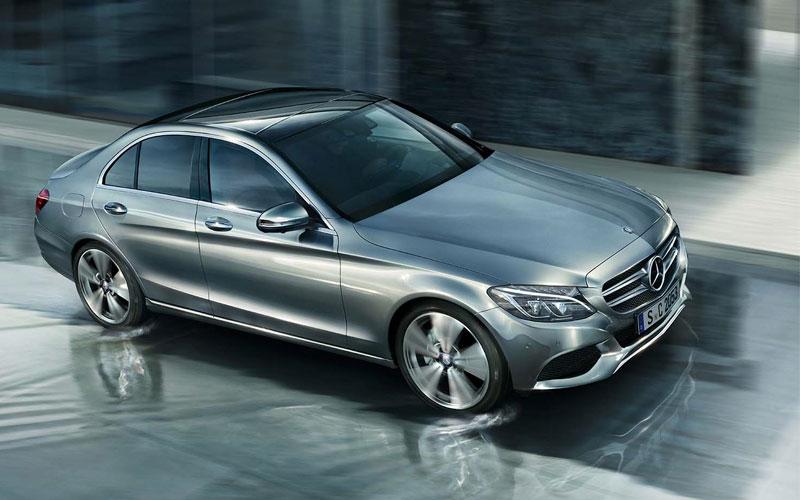 Mercedes Classe C Sedan com várias versões cabe em vários tamanhos de bolso