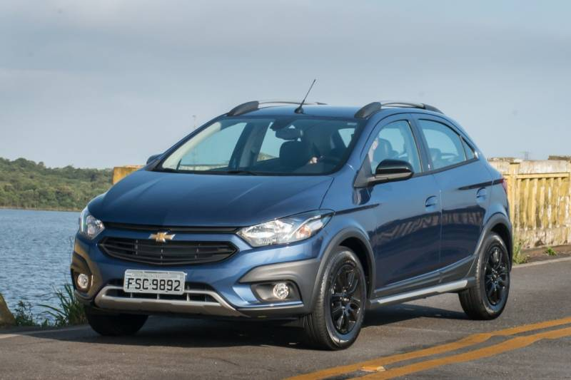 Chevrolet Onix segue como carro mais vendido