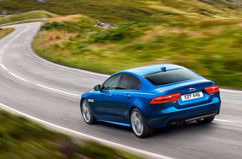 Jaguar XE é um sedan esportivo