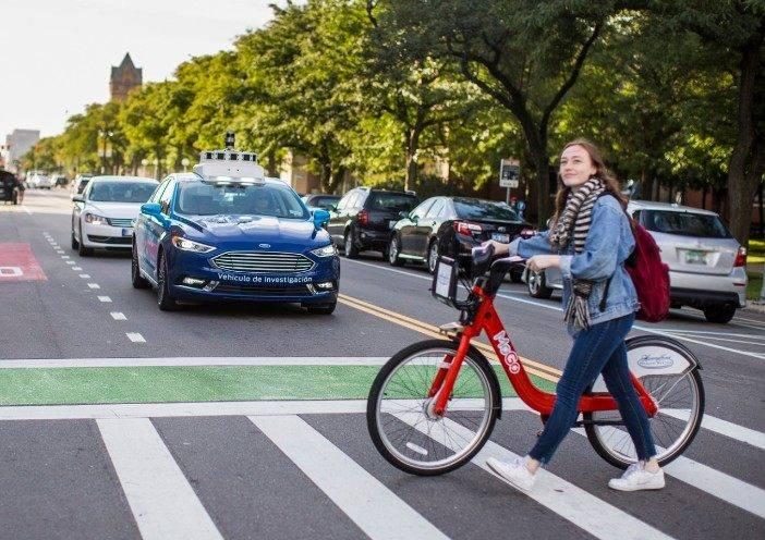 Ford testa sistemas que visam à adoção de um futuro padrão de sinalização