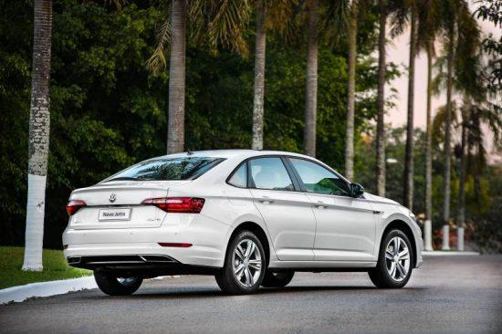Novo Volkswagen Jetta 2019 promete bom desempenho, conforto e economia