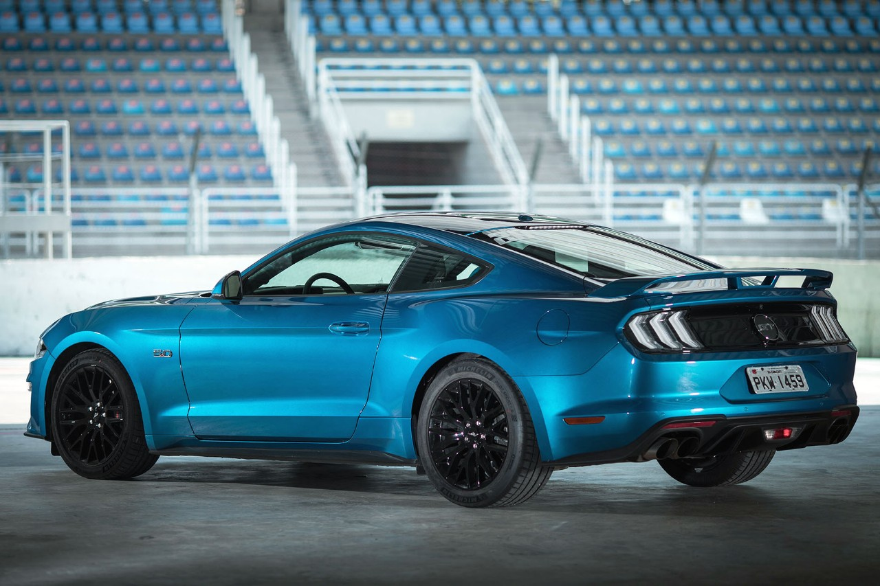Ford Mustang 2019 GT Premium chega com nova cor