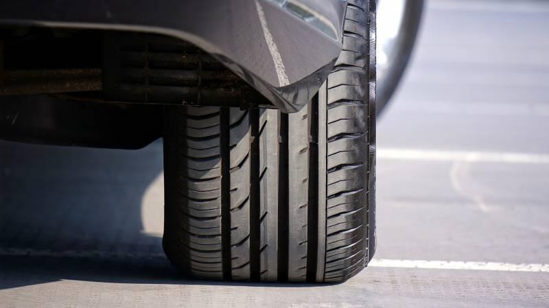 Como evitar a multa por pneu careca