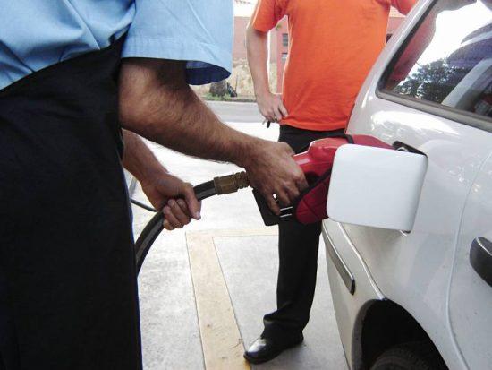 Gasolina ou Etanol: Como saber qual combustível compensa?