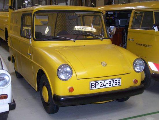 VW Tipo 147 foi um misto de Kombi e Fusca