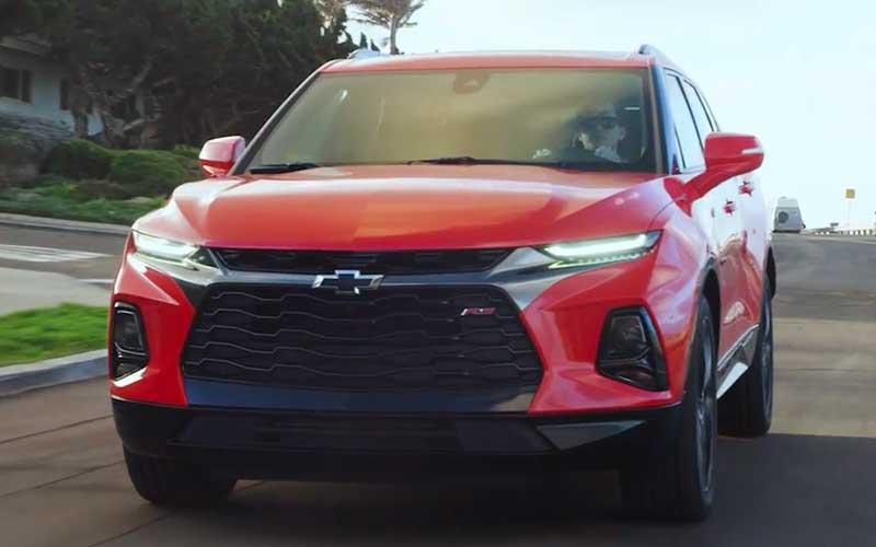 Vídeo: A nova poderosa Chevrolet  Blazer 2019 rodando na estrada