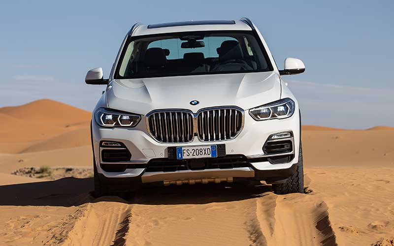 Vídeo mostra o novo BMW X5 no deserto do Saara