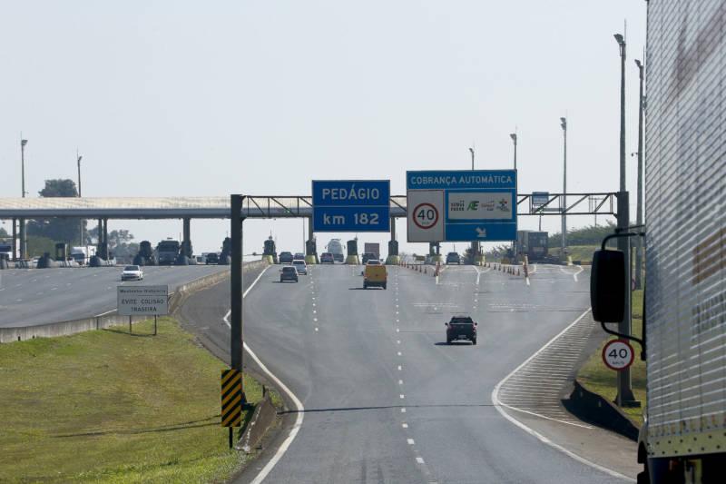 Você vai levar multa por passar a mais de 40km/h no pedágio