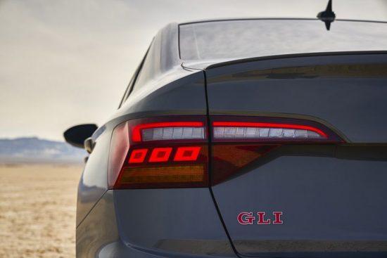 Vídeo: detalhes do novo Volkswagen Jetta GLI