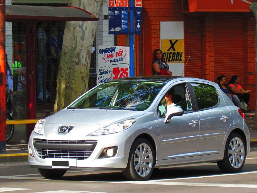 Peugeot 207 GTi 2012 (foto: RL GNZLZ / Flickr)