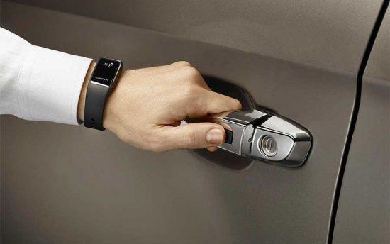 A nova chave do SUV Hyundai Creta fica no relógio
