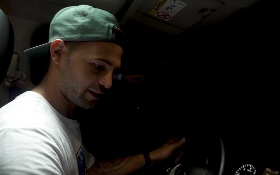 Você conseguiria dirigir usando apenas as câmeras do seu carro?