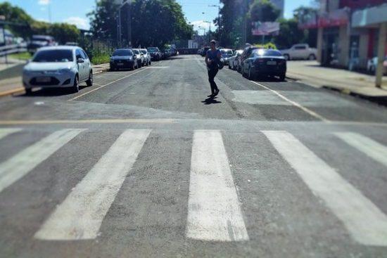 Mulher atropelada é condenada a indenizar motorista
