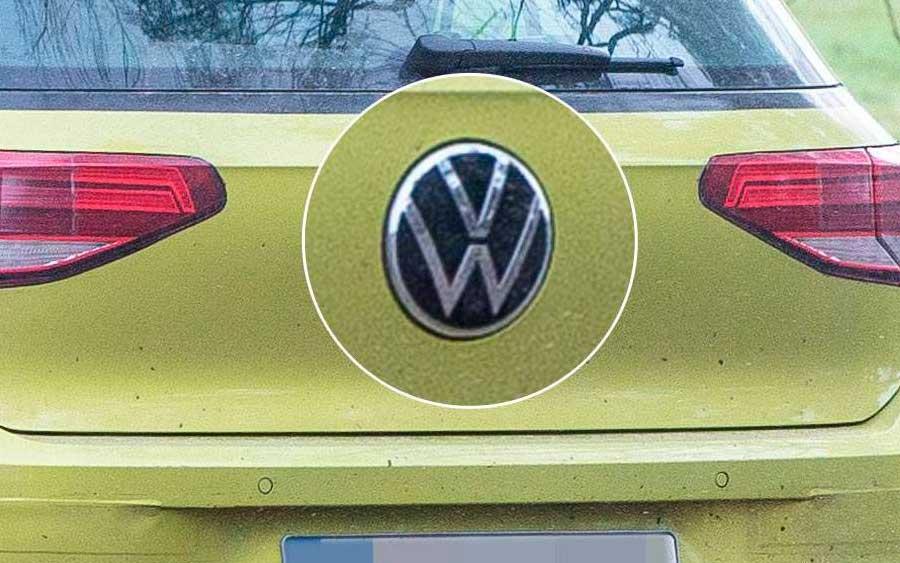 Novo VW Golf chega com atualização do logo Volkswagen