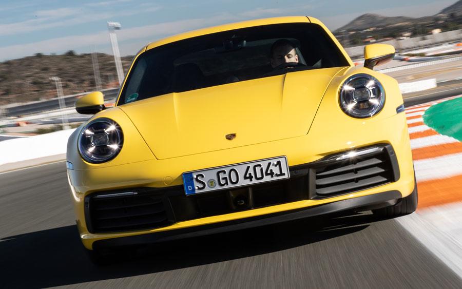 Porsche 911 Carrera 4S é um dos carros mais empolgantes e divertidos
