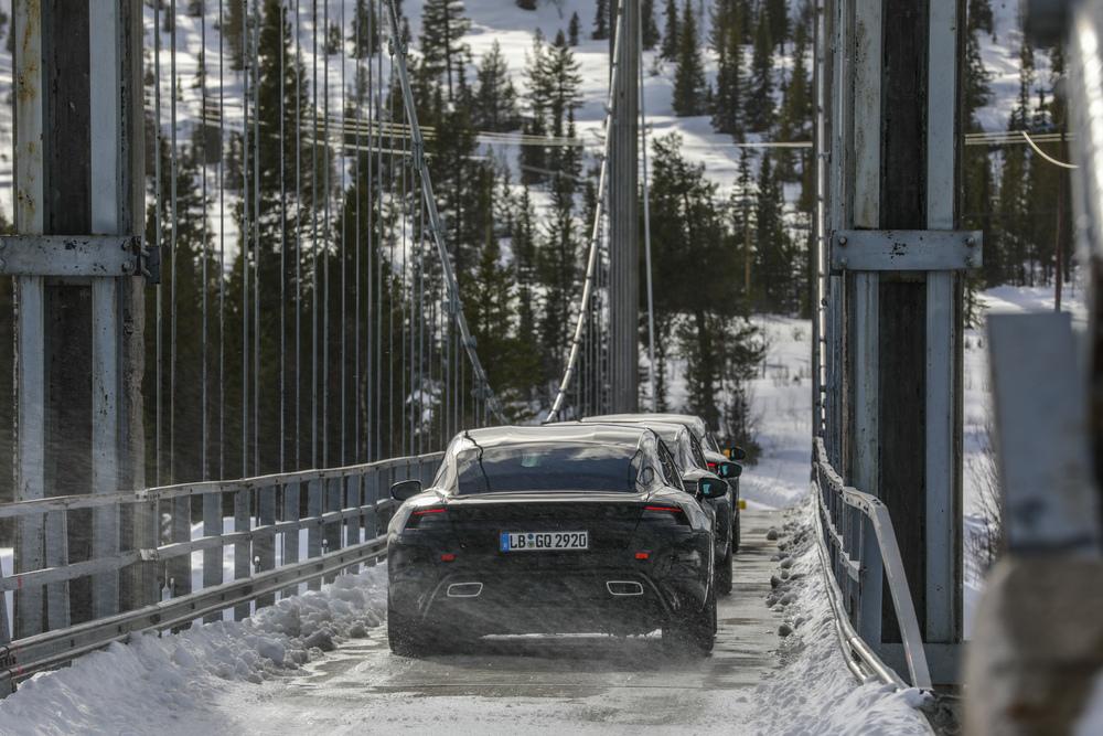 Porsche Taycan na Scandivia em testes de durabilidade