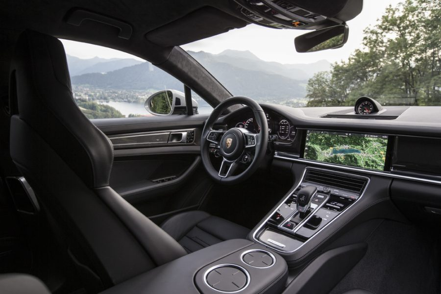 Plataforma de tecnologia: inovações como o Porsche Advanced Cockpit foram transferidas para os modelos posteriores