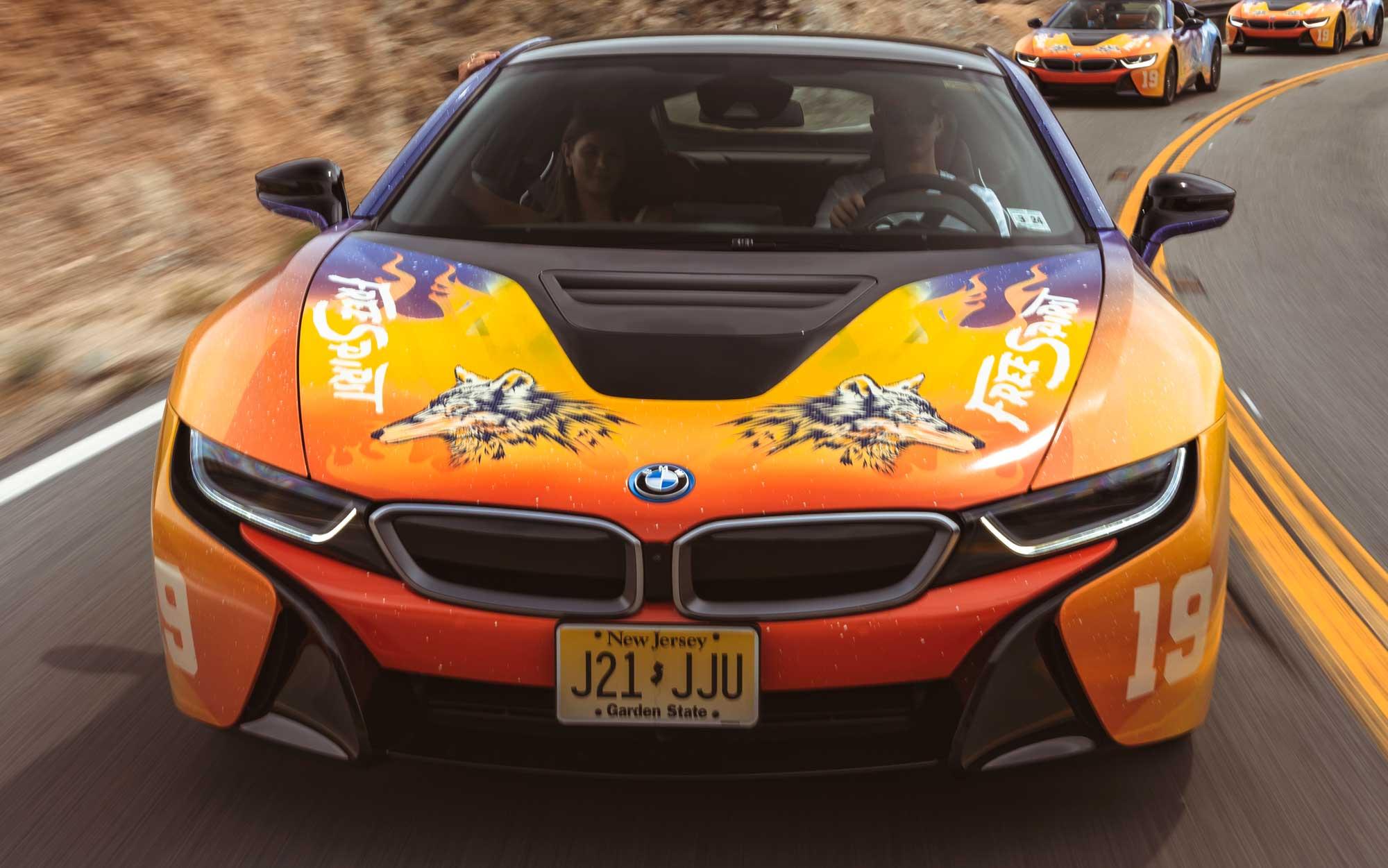 Festival de Música Coachella tem carro elétrico da BMW personalizado
