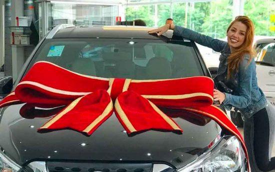 """Bailarina do Faustão revela carro que ganhou no """"Dança dos Famosos"""""""