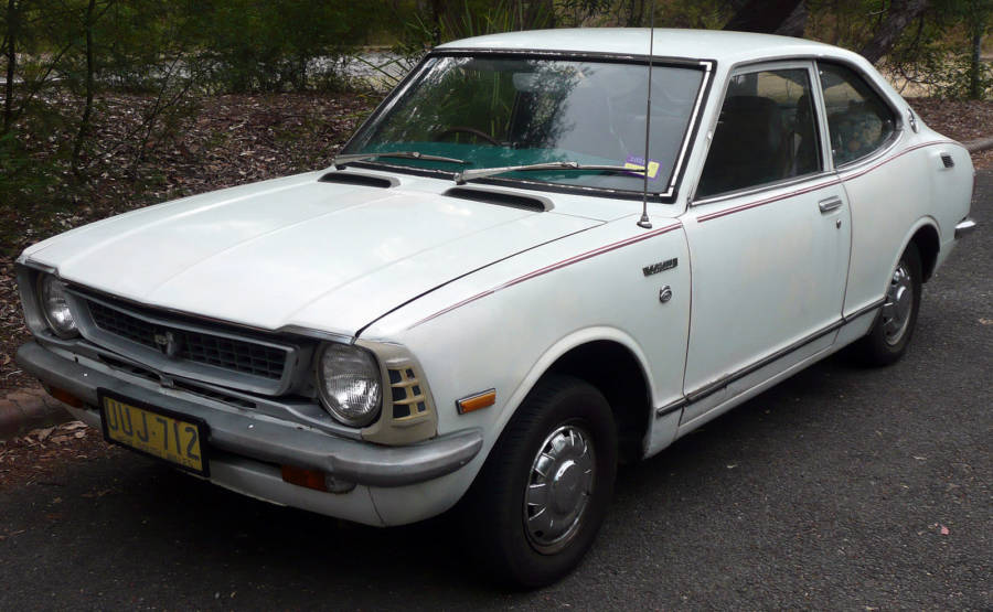 Toyota Corolla - Segunda geração (foto: OSX / wikimedia)
