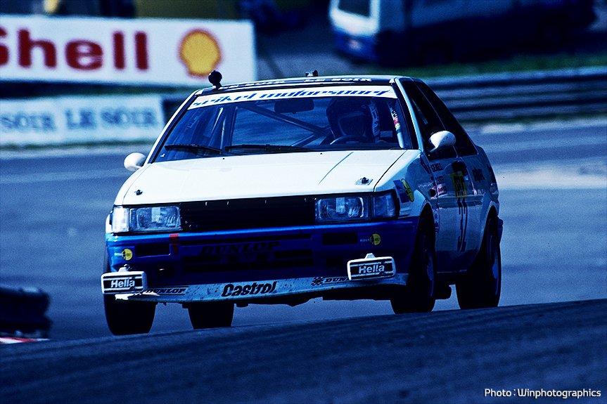 A corrida AE86 em 1983