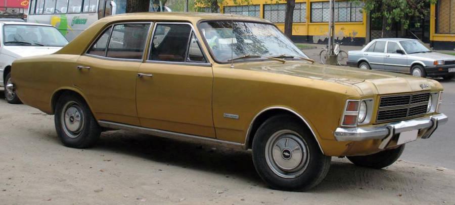 Opala de Luxo Sedan 1978 (foto: papurojugarpool / wikimedia)