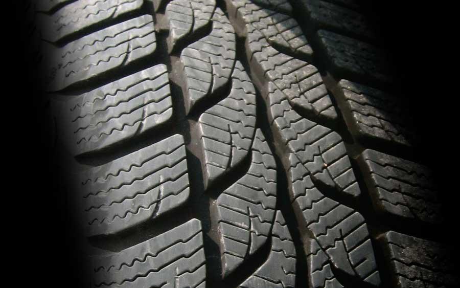 Dicas valiosas para manter a manutenção dos pneus do seu carro em dia