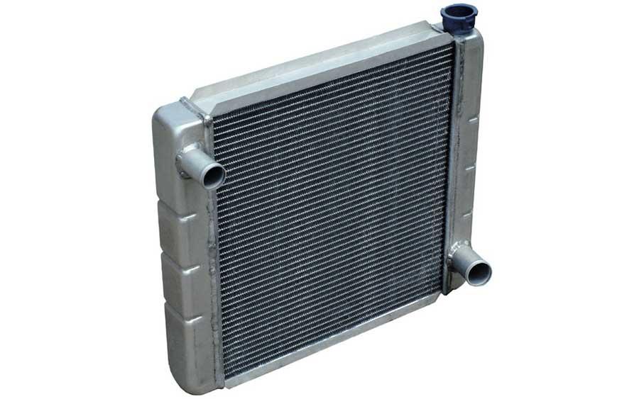 Um típico radiador automotivo (foto: MGTom / wikimedia)