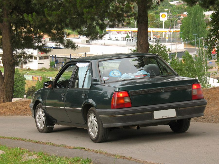Chevrolet Monza 1.8 GLS 1996 (foto: order_242 / wikimedia)