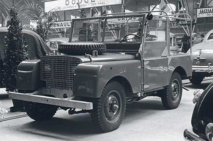 Lançado em 30 de abril, no Salão do Automóvel de 1948, em Amsterdã