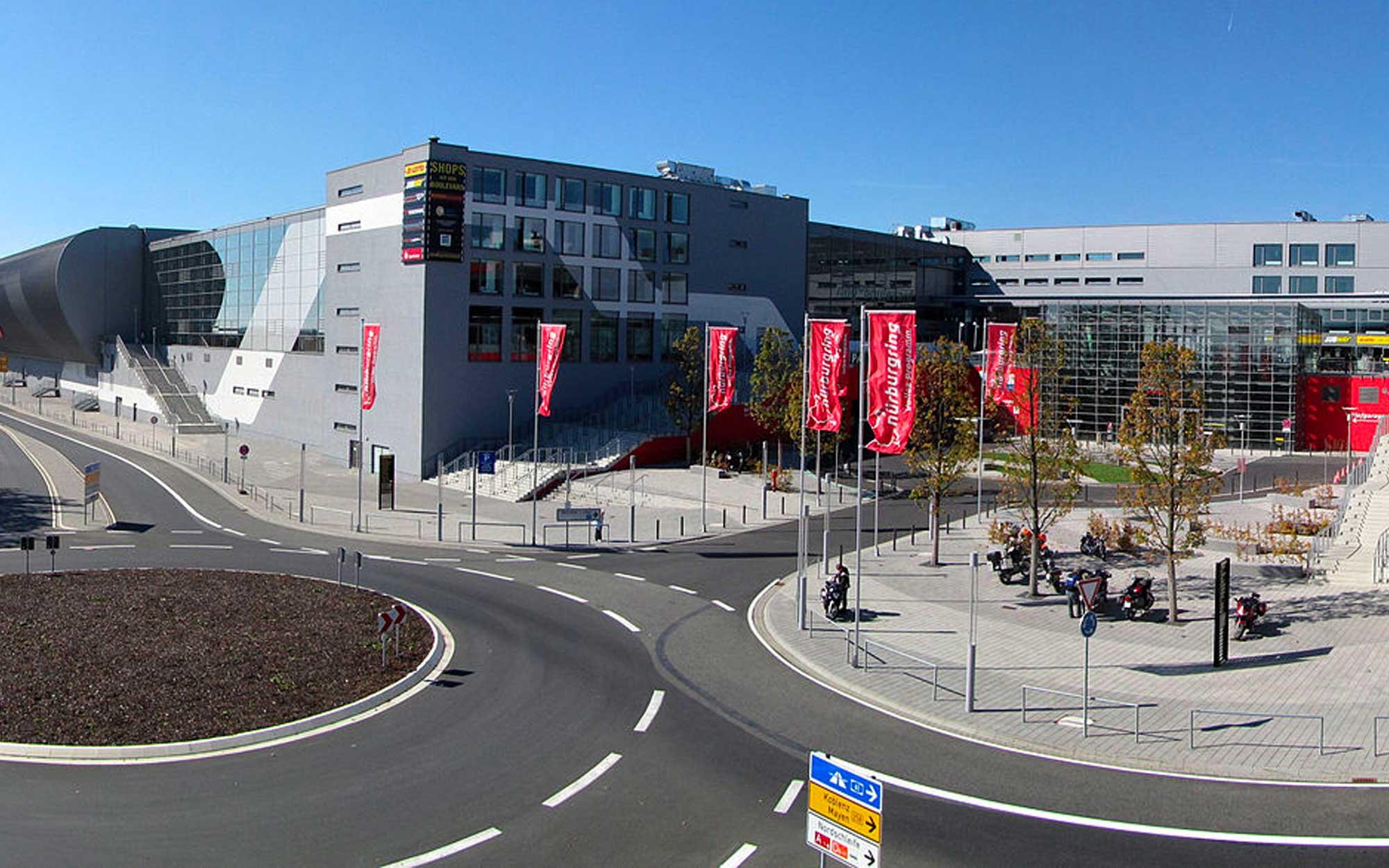 Entrada para Nürburgring (foto: Holger Weinandt / wikimedia)