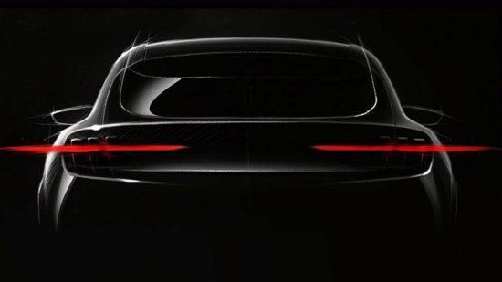 Ford Mustang pode ganhar derivado SUV elétrico