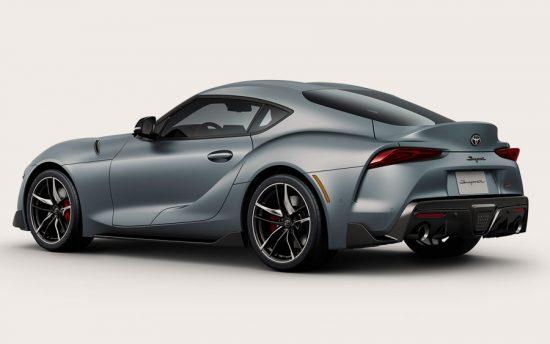 Lá Fora: Toyota apresenta o novo Supra