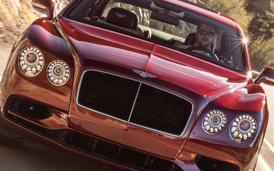 Bentley Flying Spur é um sedan cheio de luxo com muita velocidade