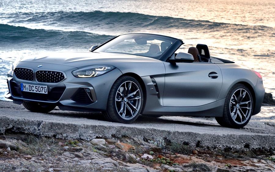 Com R$ 309.950 você compra sua BMW Z4 no Brasil
