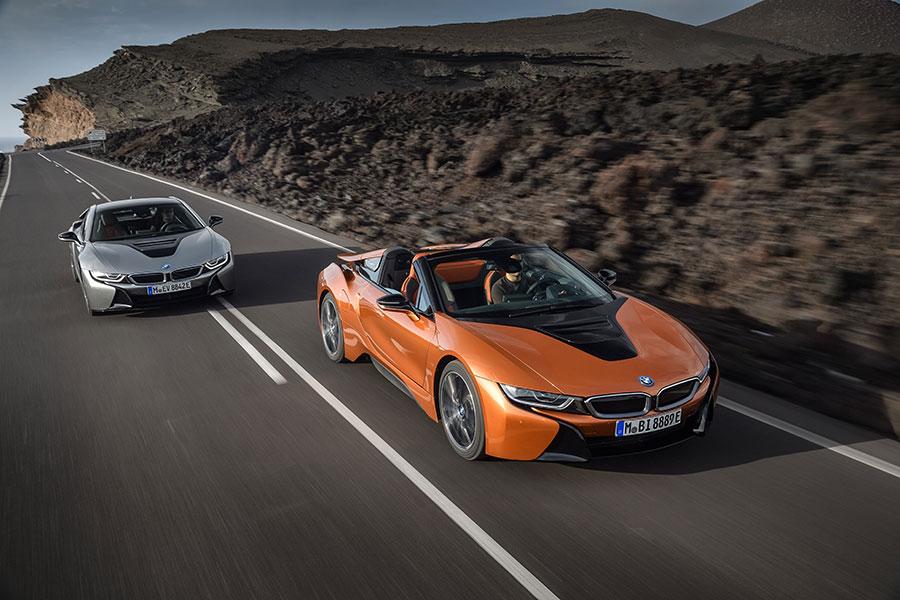 BMW i8 Roadster e BMW i8 Coupe