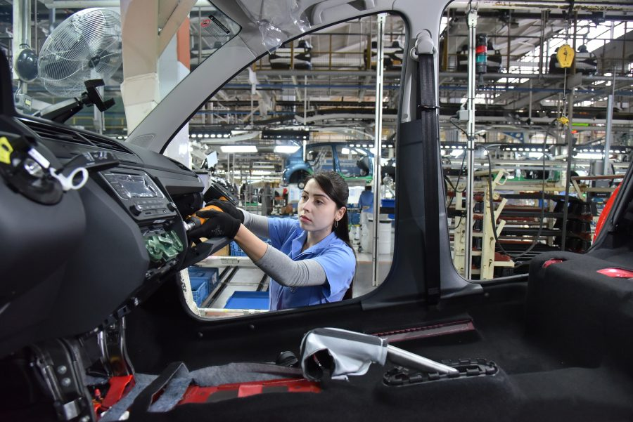 Linha de montagem na Volkswagen Taubaté
