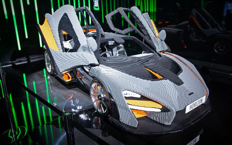 McLaren Senna feita de Lego