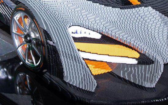 Uma McLaren Senna feita de Lego