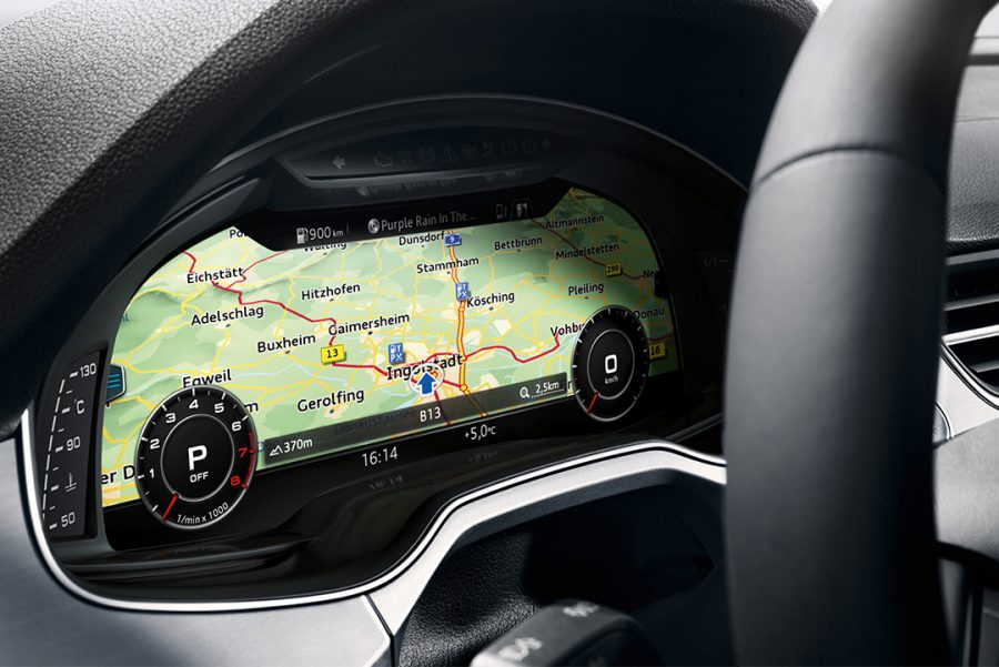 Totalmente concebido para o motorista e 100% digital, o modelo conta com o Audi Virtual Cockpit, o painel de instrumentos mais inovador do mercado. Sua tela de 12,3 polegadas exibe informações com riqueza de detalhes e qualidade de imagem impressionante.