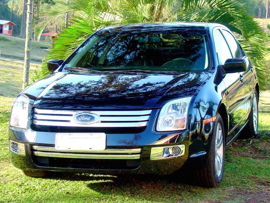 O Fusion começou a ser vendido no Brasil a partir de 2006 substituindo o Ford Mondeo (foto: EDUARDO SORTICA / Wikimedia)