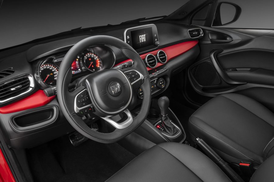 Interior do Fiat Argo HGT