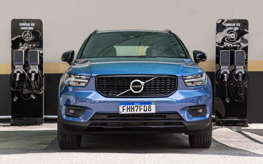 Volvo cria estacionamento gratuito para veículos híbridos e elétricos no Brasil