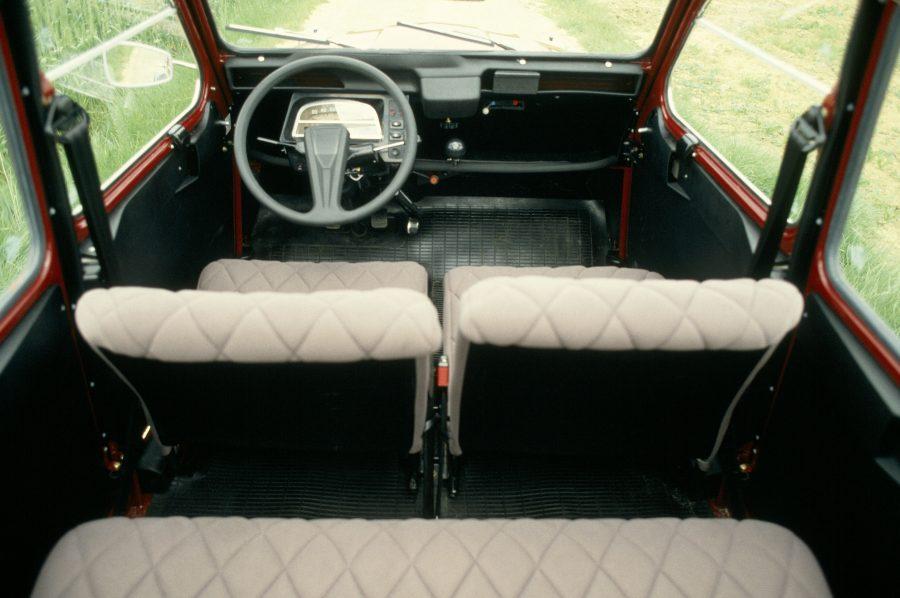 Interior do Citroën 2CV