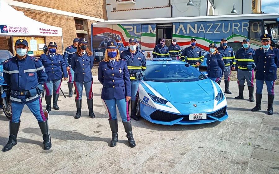 Polícia usa Lamborghini para levar rim e salvar uma vida