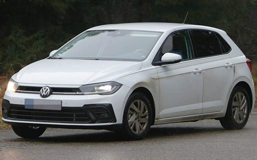 Com cara de Golf, porém com visual mais simples, VW Polo 2022 já foi flagrado