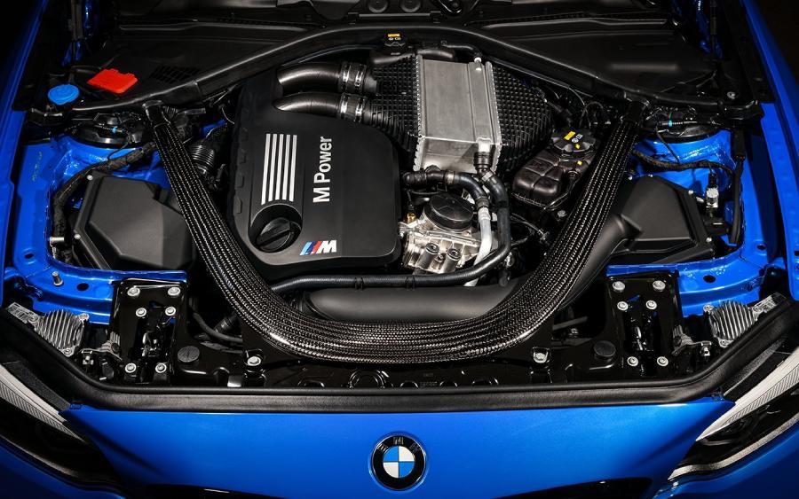 BMW M2 CS - detalhe do motor (foto: divulgação)
